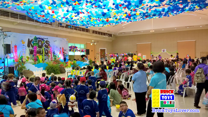 เวทีการแสดง Kid's World 9 – 13 กันยายน 2558 ของเล่น ตัวต่อ เลโก้จีน ราคาถูก เชียงใหม่ www.bricktoyslover.