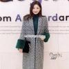 เสื้อโค๊ทเกาหลีตัวยาว ผ้าwoolลายซิกแซก เนื้อผ้ามีtextureในตัวสวย ปลายแขนเป็นกำมะหยี่หนา